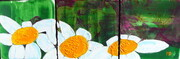 Three Daisys on Green Triptych